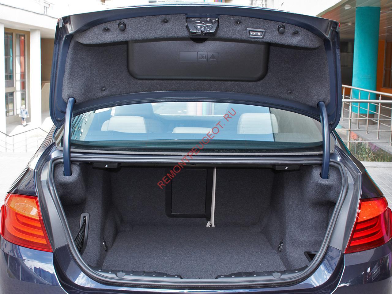 не открывается багажник