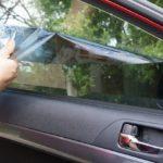 Как снять тонировку самостоятельно — снятие клея со стекла